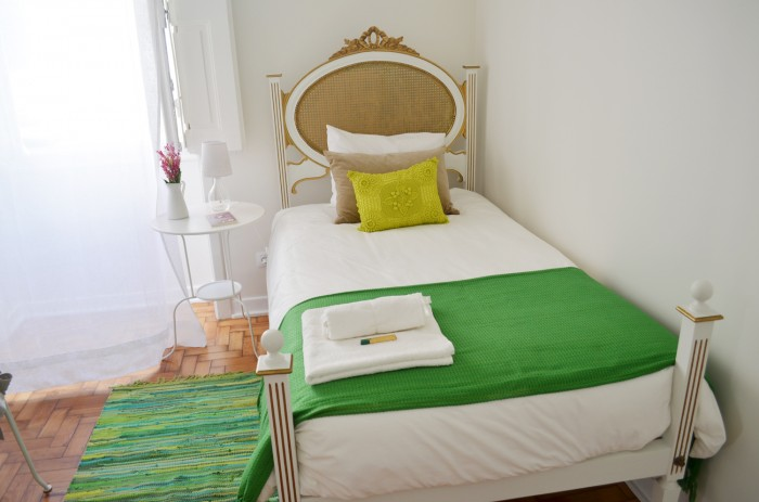 Single Room, white and green, romantic and elegant
